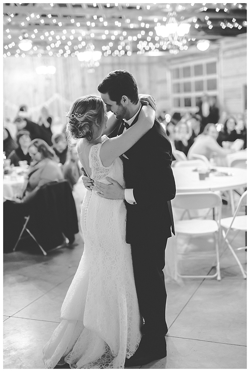 oklahoma-photographer-wedding-first-dance