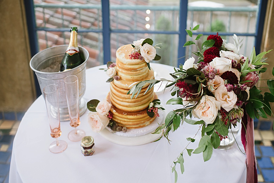 brunch-wedding-cake-florals-oklahoma